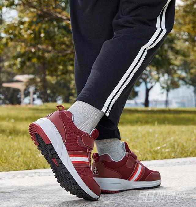 足力健老人鞋