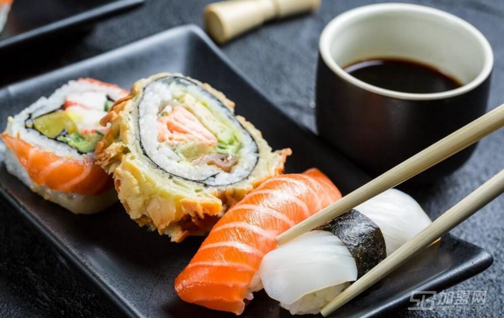 游泳魚骨壽司