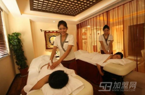 美容院加盟怎么样?总部经验丰富王春美容院利润好!