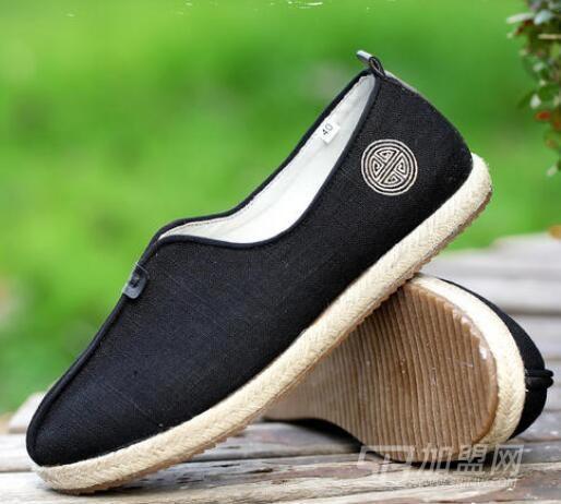 东福春布鞋