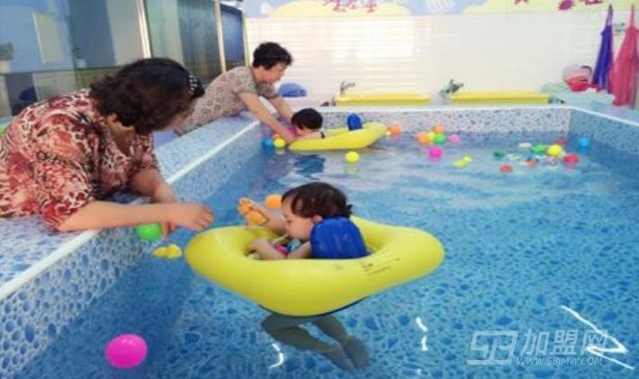 快乐小贝婴童游泳馆加盟