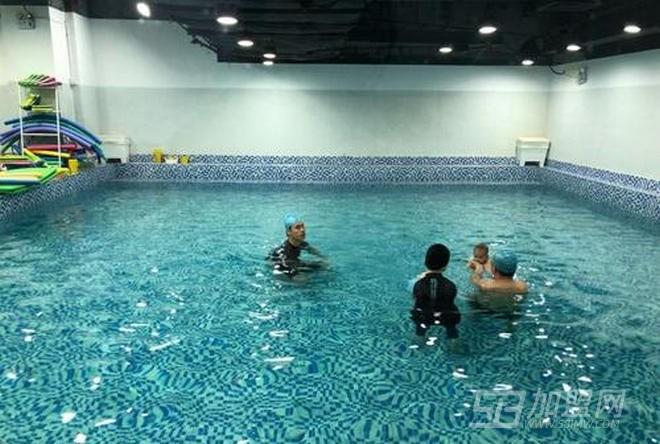 爸爸快来亲子游泳中心