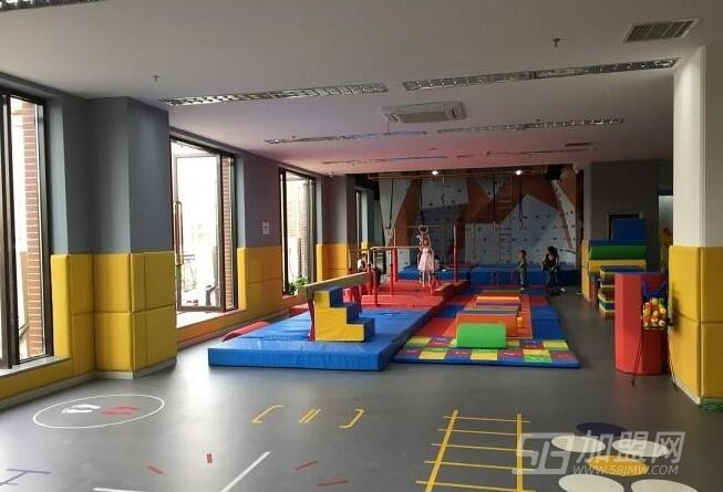 能量鹰儿童运动馆加盟