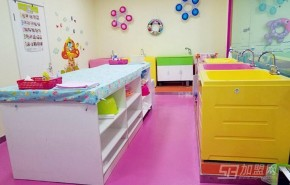 嬰兒游泳館加盟開店如何提高服務質量?